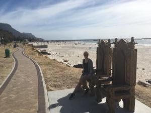 Jana am Strand von Camps Bay