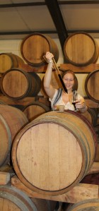 Wein aus dem Fass probieren