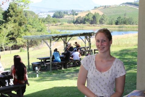 Jana auf der Weinfarm