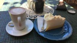 Kaffee und Kuchen in Coffee Roastery