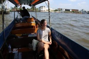 Fahrt im Longtail Boot