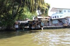 Hütten am Kanal