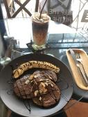Pancakes mit Banane und Nutella