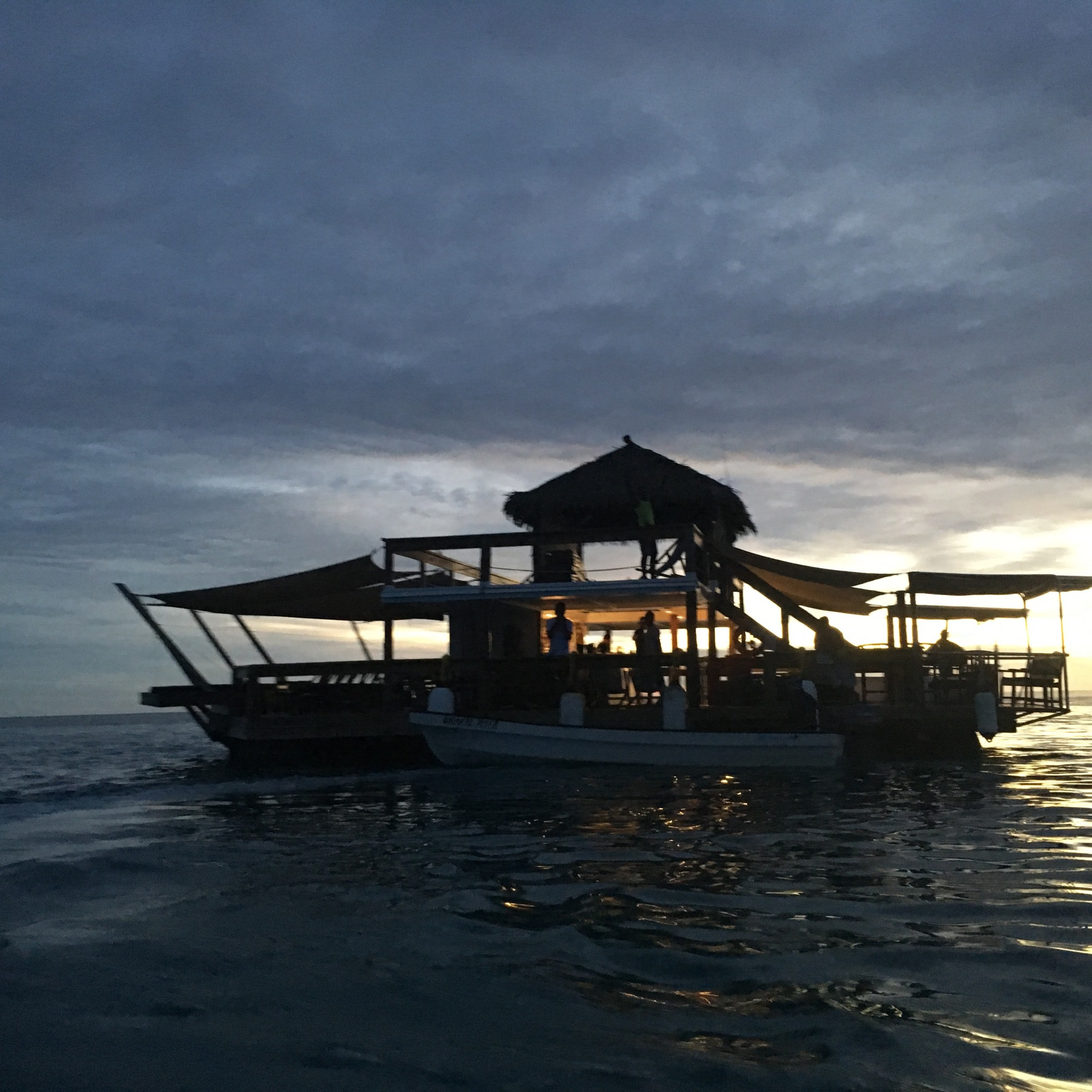 Cloud9-schwimmende Bar